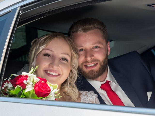 Le mariage de Benoit et Noémie à Thiers, Puy-de-Dôme 14