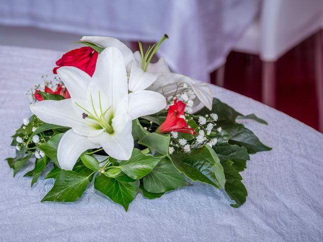 Le mariage de Benoit et Noémie à Thiers, Puy-de-Dôme 16