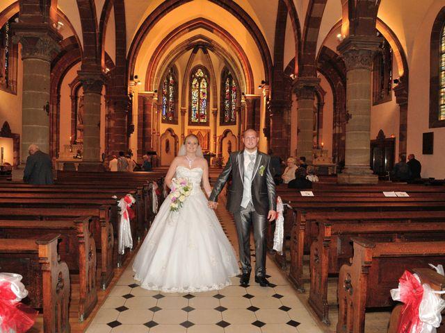 Le mariage de Jordan et Sophie à Stiring-Wendel, Moselle 23