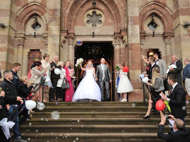 Le mariage de Jordan et Sophie à Stiring-Wendel, Moselle 24