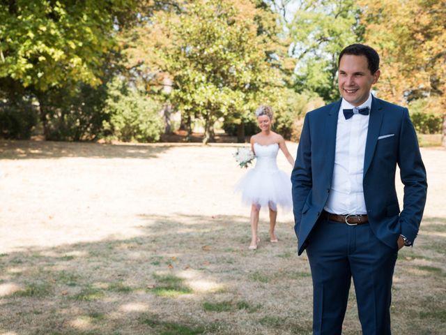 Le mariage de Damien et Amandine à Guéreins, Ain 3