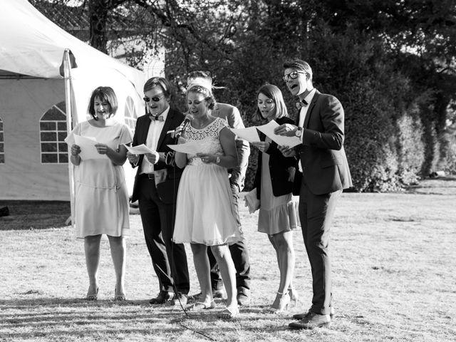 Le mariage de Damien et Amandine à Guéreins, Ain 14