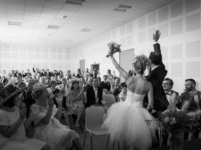 Le mariage de Damien et Amandine à Guéreins, Ain 22