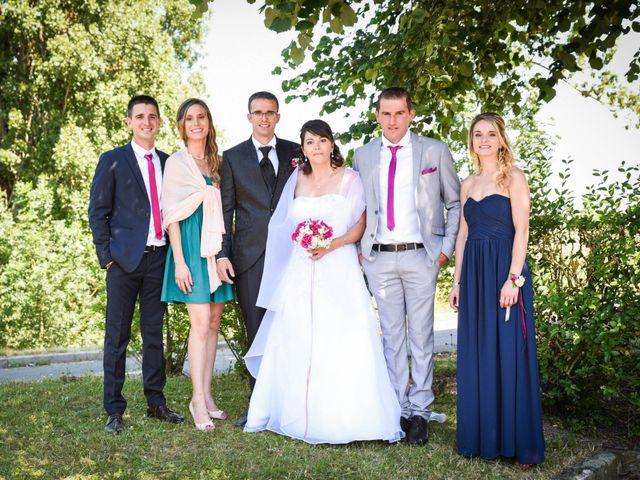 Le mariage de Romain et Severine à Beaujeu, Rhône 14