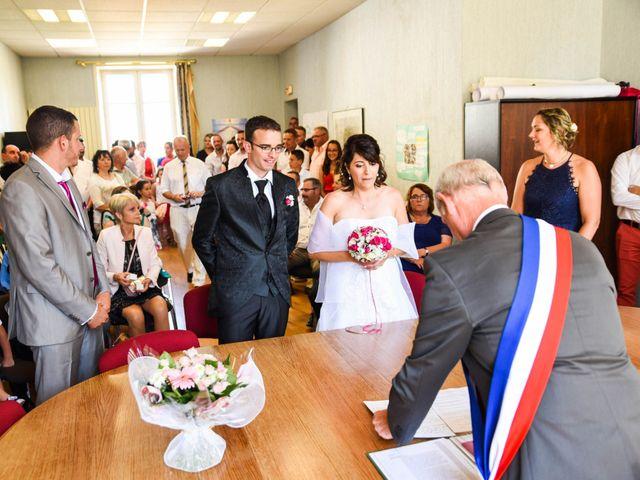 Le mariage de Romain et Severine à Beaujeu, Rhône 15