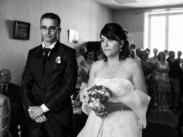 Le mariage de Romain et Severine à Beaujeu, Rhône 19