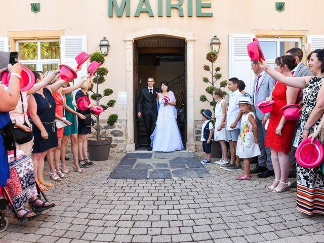 Le mariage de Romain et Severine à Beaujeu, Rhône 25