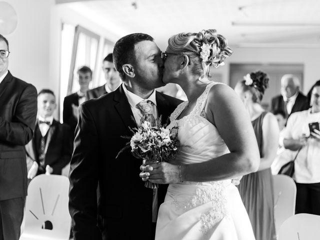 Le mariage de Sylvain et Karelle à Chazemais, Allier 7