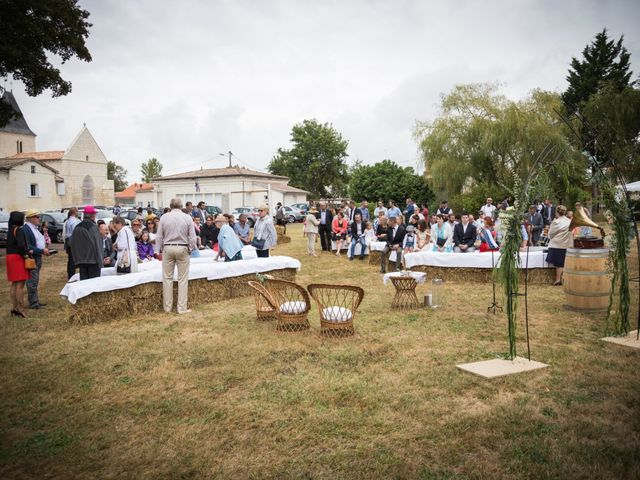 Le mariage de Steeve et Lucie à Saint-Hilaire-du-Bois, Charente Maritime 18
