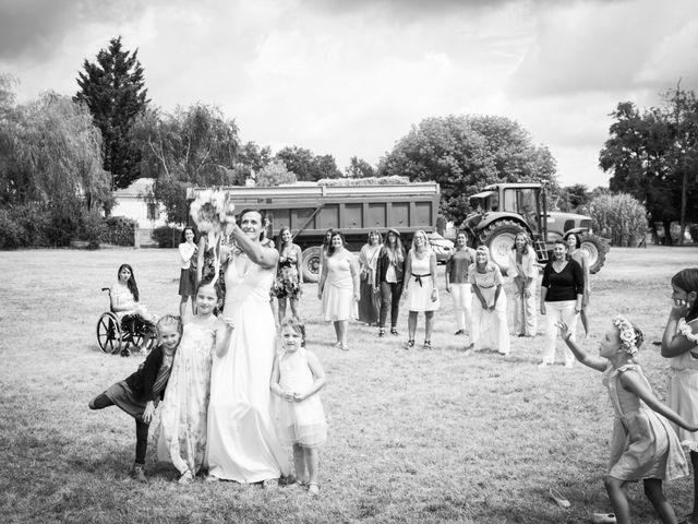 Le mariage de Steeve et Lucie à Saint-Hilaire-du-Bois, Charente Maritime 58