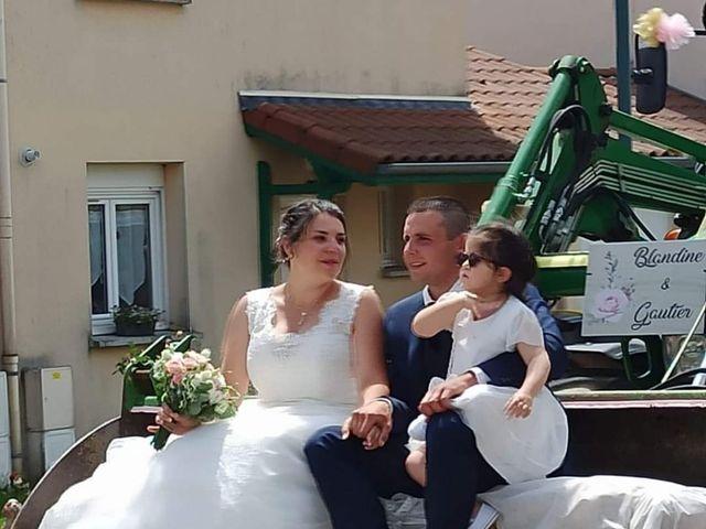 Le mariage de Gautier  et Blandine  à Saint-Maurice-en-Gourgois, Loire 8