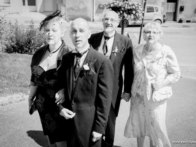 Le mariage de Yves et Martial à Saint-Jacut-les-Pins, Morbihan 12