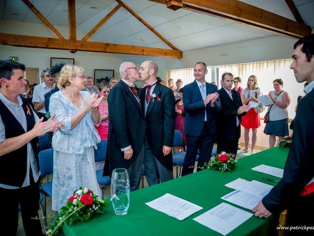 Le mariage de Yves et Martial à Saint-Jacut-les-Pins, Morbihan 13