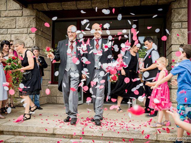 Le mariage de Yves et Martial à Saint-Jacut-les-Pins, Morbihan 18