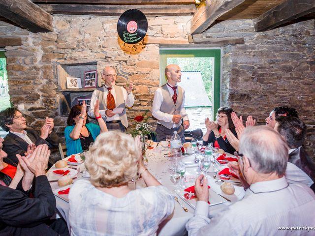 Le mariage de Yves et Martial à Saint-Jacut-les-Pins, Morbihan 25