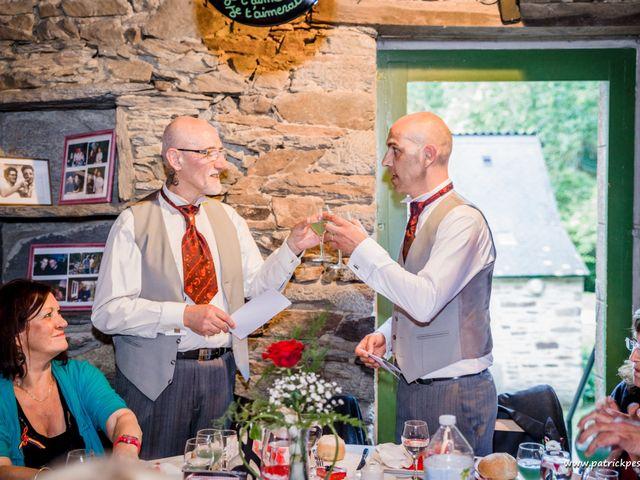 Le mariage de Yves et Martial à Saint-Jacut-les-Pins, Morbihan 26