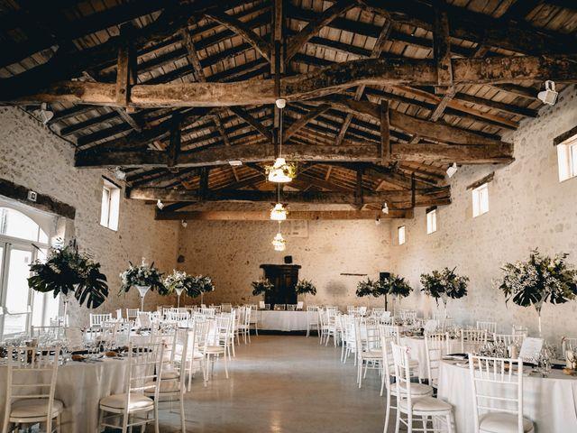 Le mariage de Adrien et Célia à Pessac-sur-Dordogne, Gironde 15