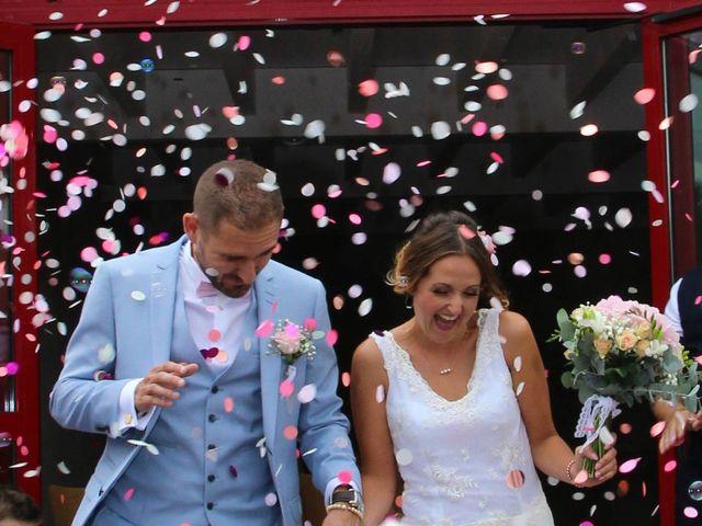 Le mariage de Anthony et Jennifer à Léognan, Gironde 11