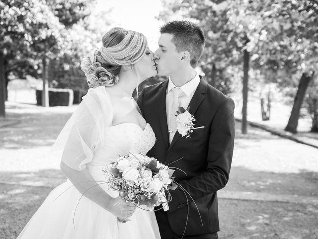 Le mariage de Delphin et Delphine à La Chapelle-de-Guinchay, Saône et Loire 8