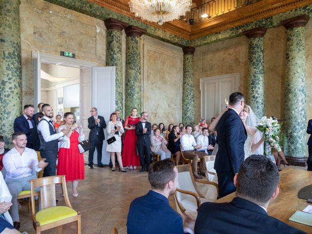 Le mariage de Adrien et Ophélie à Blois, Loir-et-Cher 15