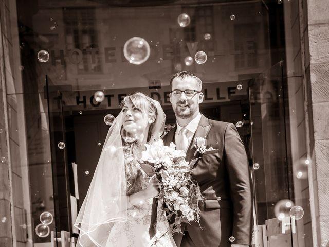 Le mariage de Adrien et Ophélie à Blois, Loir-et-Cher 24