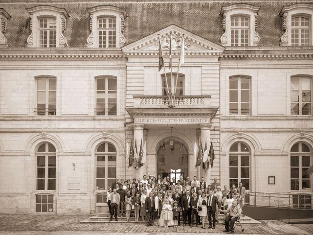 Le mariage de Adrien et Ophélie à Blois, Loir-et-Cher 26