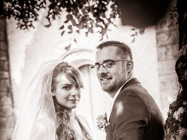 Le mariage de Adrien et Ophélie à Blois, Loir-et-Cher 31