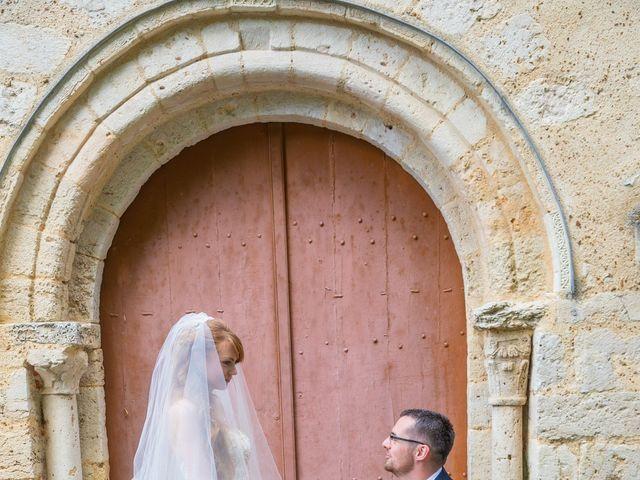 Le mariage de Adrien et Ophélie à Blois, Loir-et-Cher 38