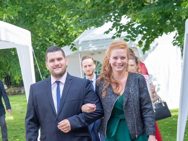 Le mariage de Adrien et Ophélie à Blois, Loir-et-Cher 43