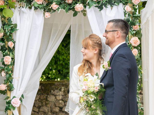 Le mariage de Adrien et Ophélie à Blois, Loir-et-Cher 52