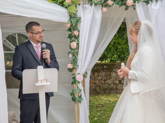 Le mariage de Adrien et Ophélie à Blois, Loir-et-Cher 57