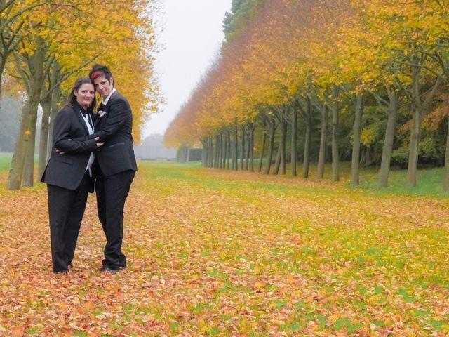 Le mariage de Sabrina et Emilie à Verneuil-sur-Avre, Eure 14