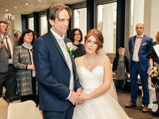 Le mariage de Sylvain et Nadia à Mantes-la-Jolie, Yvelines 37