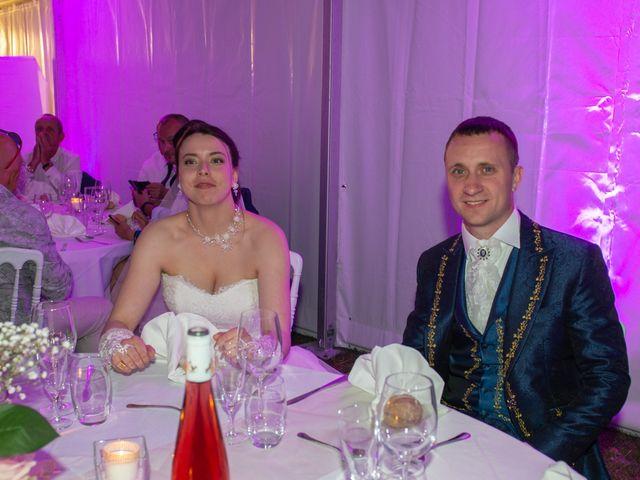 Le mariage de Yoann et Eva à Crillon le Brave, Vaucluse 1