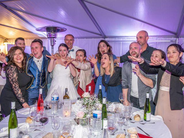Le mariage de Yoann et Eva à Crillon le Brave, Vaucluse 5