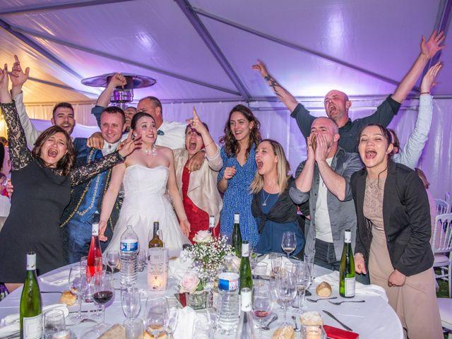 Le mariage de Yoann et Eva à Crillon le Brave, Vaucluse 6