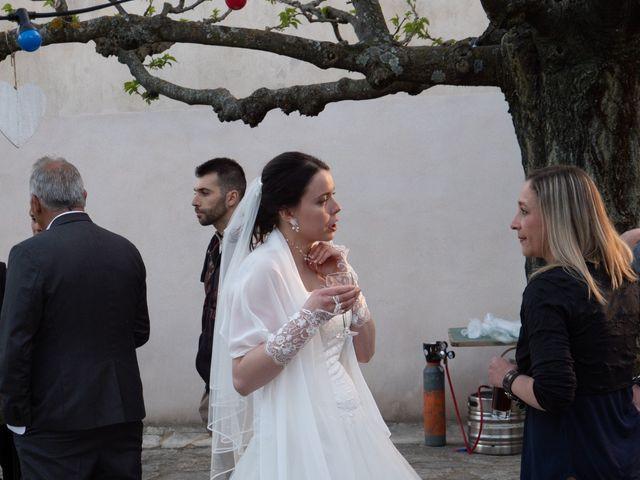 Le mariage de Yoann et Eva à Crillon le Brave, Vaucluse 8