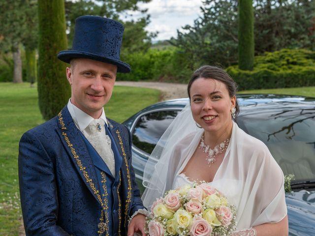 Le mariage de Yoann et Eva à Crillon le Brave, Vaucluse 10