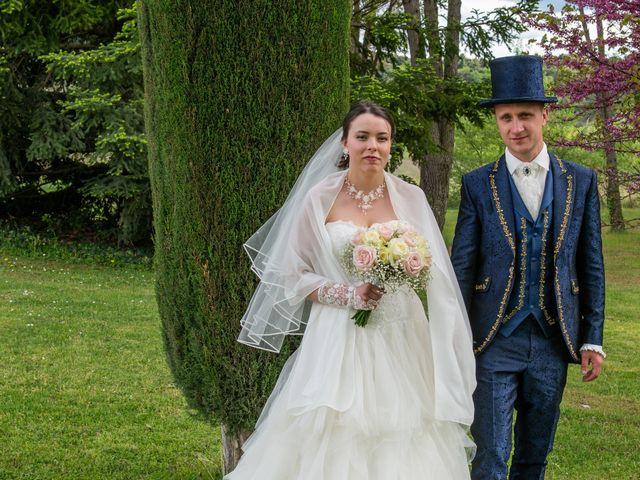 Le mariage de Yoann et Eva à Crillon le Brave, Vaucluse 11