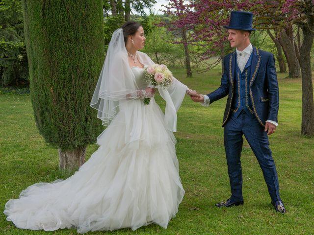 Le mariage de Yoann et Eva à Crillon le Brave, Vaucluse 12
