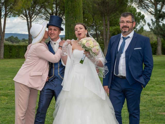 Le mariage de Yoann et Eva à Crillon le Brave, Vaucluse 14