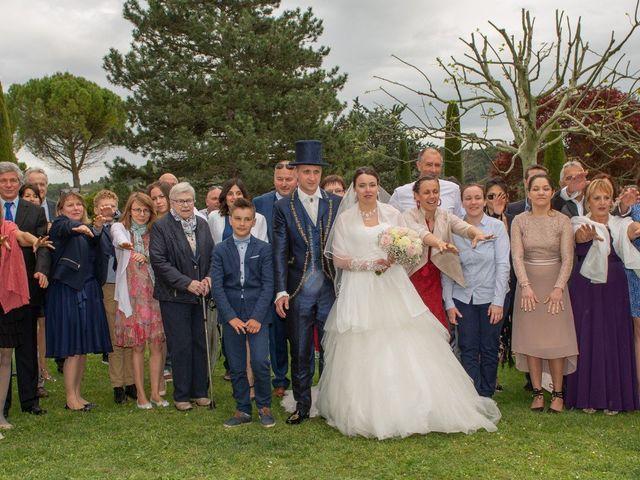 Le mariage de Yoann et Eva à Crillon le Brave, Vaucluse 16