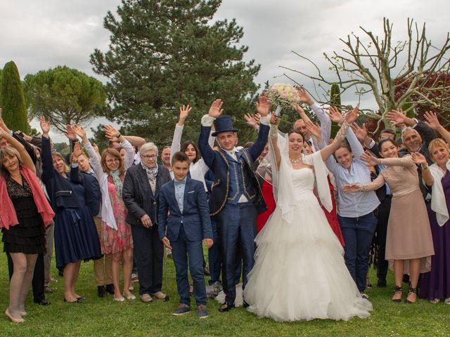 Le mariage de Yoann et Eva à Crillon le Brave, Vaucluse 19