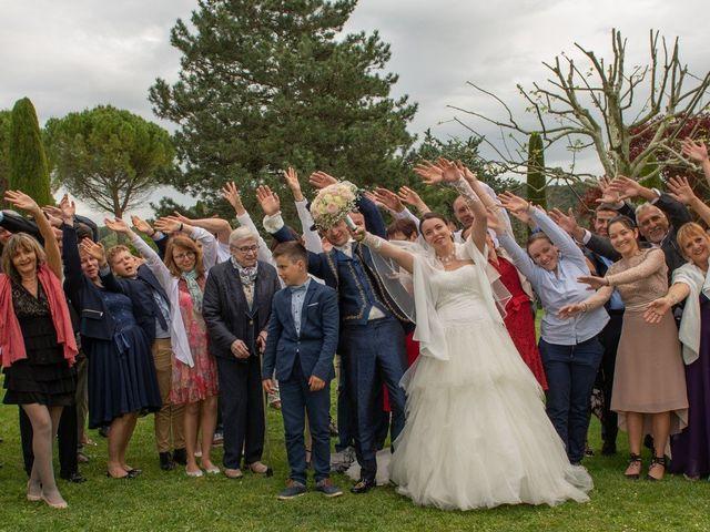 Le mariage de Yoann et Eva à Crillon le Brave, Vaucluse 20
