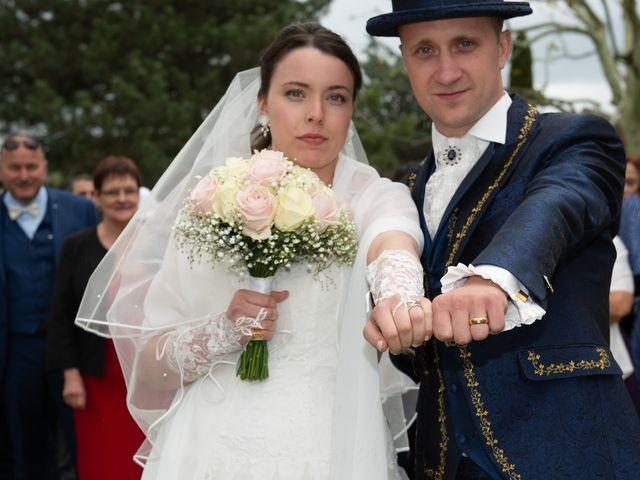 Le mariage de Yoann et Eva à Crillon le Brave, Vaucluse 22