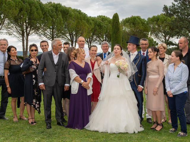 Le mariage de Yoann et Eva à Crillon le Brave, Vaucluse 25