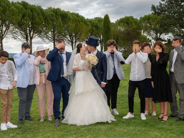 Le mariage de Yoann et Eva à Crillon le Brave, Vaucluse 26