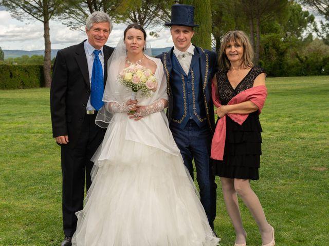 Le mariage de Yoann et Eva à Crillon le Brave, Vaucluse 27