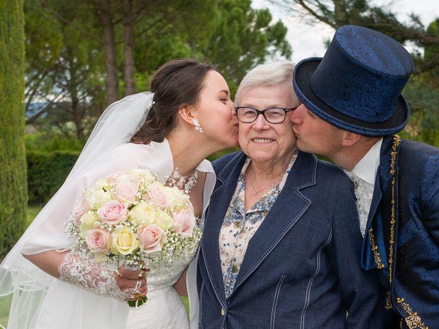 Le mariage de Yoann et Eva à Crillon le Brave, Vaucluse 30