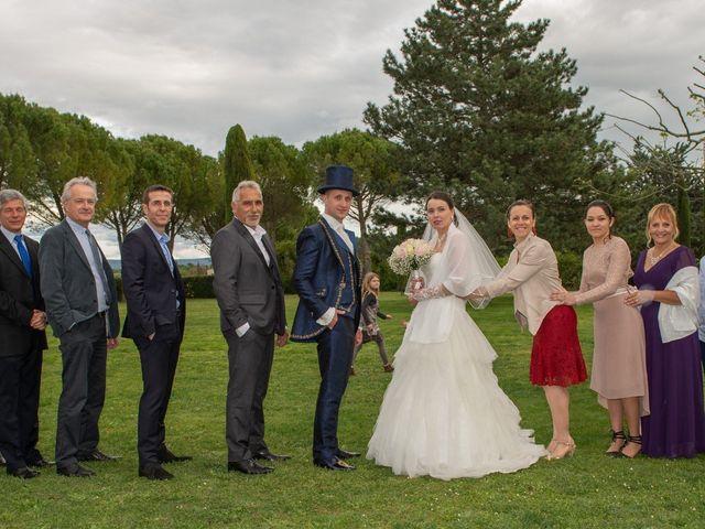 Le mariage de Yoann et Eva à Crillon le Brave, Vaucluse 40